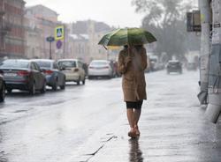 Циклон привел в Петербург грозы