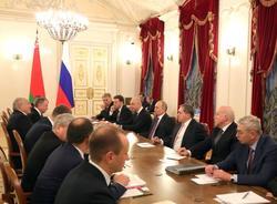 Картина дня: саммит ЕАЭС и закрытие магазинов Spar и «Семья» в Петербурге