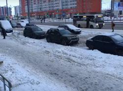 Активисты: В одном из кварталов Красносельского района ни разу не убирали снег
