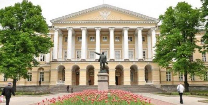 Правительство Петербурга не приняло работу по обследованию исторического центра города