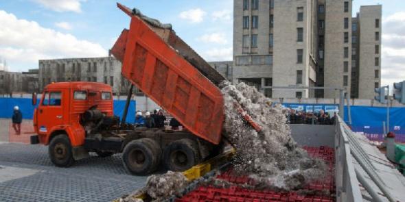В Петербурге в воскресенье растопили рекордное количество снега