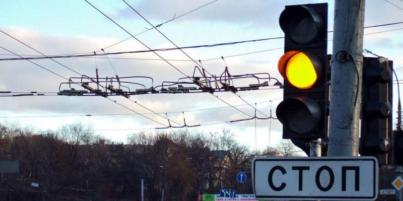 Мощный ливень стал причиной отключения светофоров в Петербурге