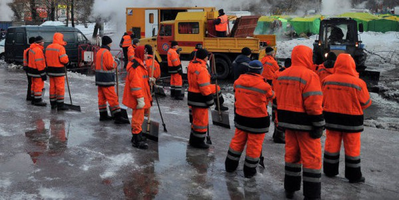 В Красносельском районе 36 домов остались без тепла из-за прорыва трубы