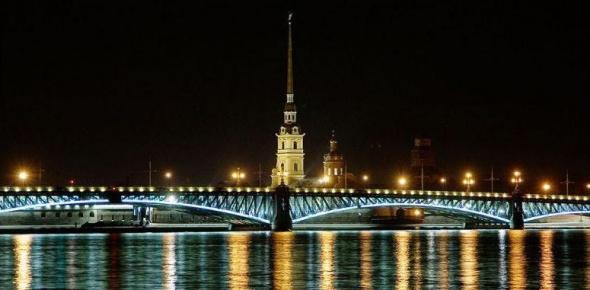 В ДТП на Кантемировском и Троицком мостах пострадали четыре человека