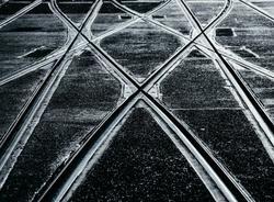 Самосвал врезался в трамвай, спровоцировав пробку на проспекте Энгельса