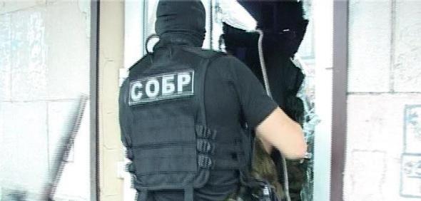 В Петербурге подполковник СОБРа избил трех полицейских