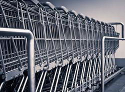Магазин «О'кей» во Фрунзенском районе не смог обслужить покупателей