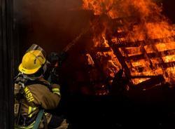 Картина дня: пожар в кондитерской фабрике и увеличение штрафа за непропуск машины скорой помощи в 10 раз