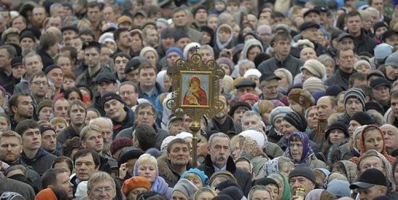 Смольный организует молодежный Крестный ход по центру Петербурга
