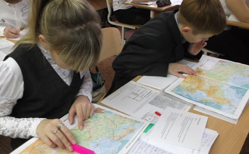 """Крым поставят на карту """"обновленного мира""""для школьников и чиновников"""