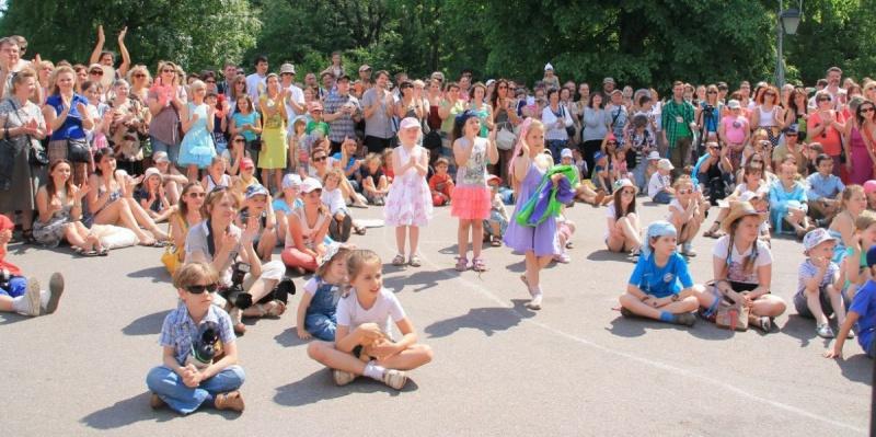 """Фестиваль уличных театров """"Елагин парк""""пройдет в Петербурге (ПРОГРАММА)"""