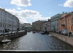 В центре Петербурга затонул прогулочный катер «Чайка-2»