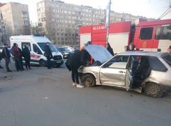 Картина дня: врезавшийся в толпу пешеходов автомобиль в Купчино и блэкаут в центре Петербурга