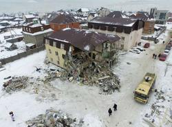 Картина дня: подробности взрыва газа в Красноярске и увольнение глав трех районов Петербурга из-за уборки снега