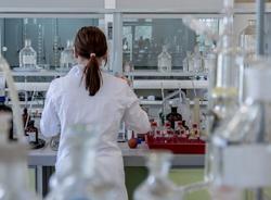 Британцы дали российской вакцине положительную оценку