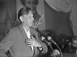 На Большой Посадской появится памятник поэту Михаилу Дудину