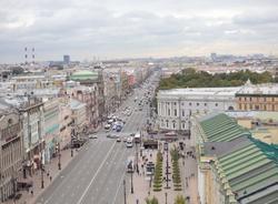 Петербуржцы недовольны новой вывеской на Доме Зингера