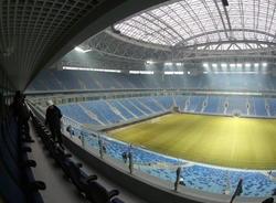 """Бизнесмены пожаловались на запрет работы ларьков у стадиона """"Газпром арена"""""""