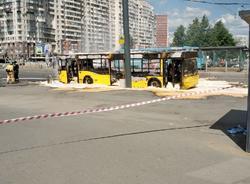 """У """"Старой Деревни"""" сгорел автобус №101"""