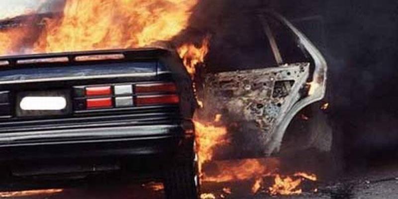 Минувшей ночью в Колпино сгорели пять машин