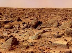 На Марсе обнаружены запасы заледеневшей чистой воды