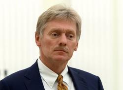 Песков назвал абсурдной реакцию Великобритании на интервью Петрова и Боширова