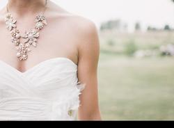 Свадебный переполох: петербургские невесты начали ажиотажно скупать платья после пандемии