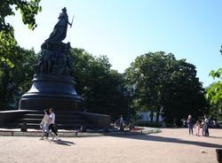В Петербурге открыли парки и скверы после сильного ветра