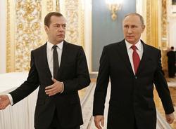 Картина дня: нерабочие траволаторы на новых станциях метро и повышение зарплат Путина и Медведева