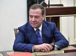 Медведев поддержал уголовную ответственность за увольнение пожилых сотрудников